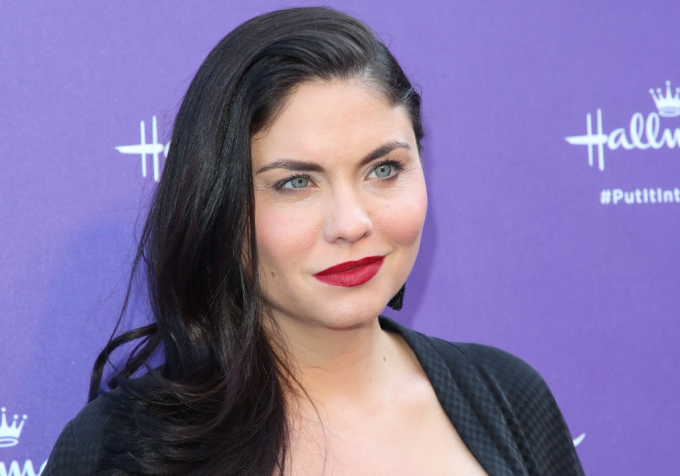 Jodi Lyn O'keefe Net Worth 2020, Biography, Education, and Career