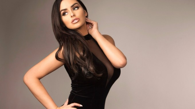 Abigail Ratchford Net Worth 2019