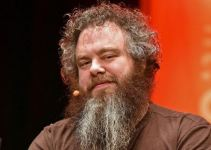 Patrick Rothfuss Net Worth 2020, Biography, Awards, and Instagram