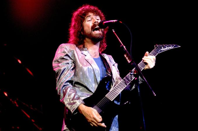 Brad Delp Net Worth 2020, Biography, Early Life, Education, Career and Achievement and Death