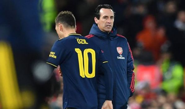 Emery says Arsenal's trip to Leicester vital in top-four race