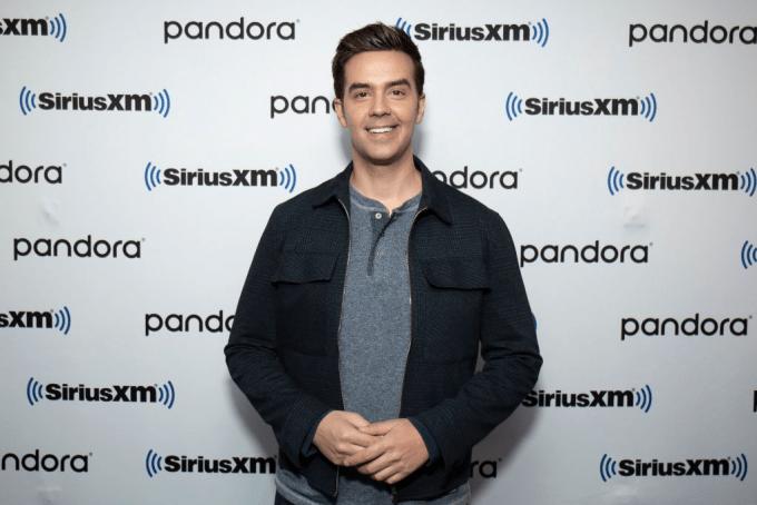 Michael Carbonaro Net Worth 2020, Biography, Career, and Instagram