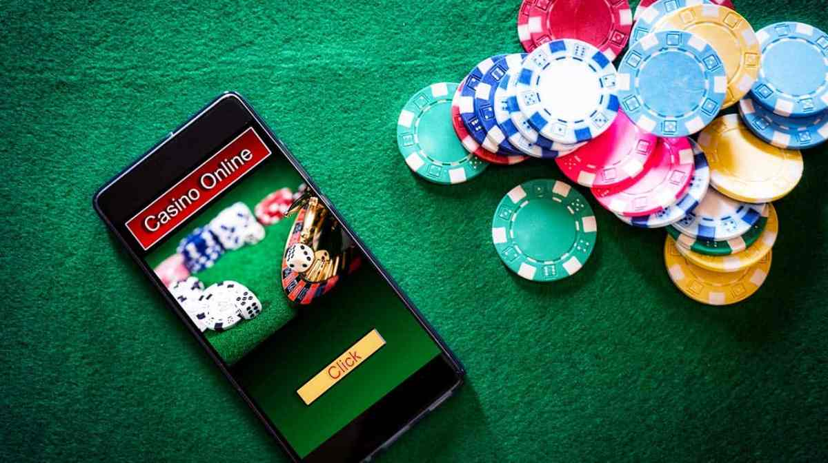 How is online gambling becoming more and more popular in the ...