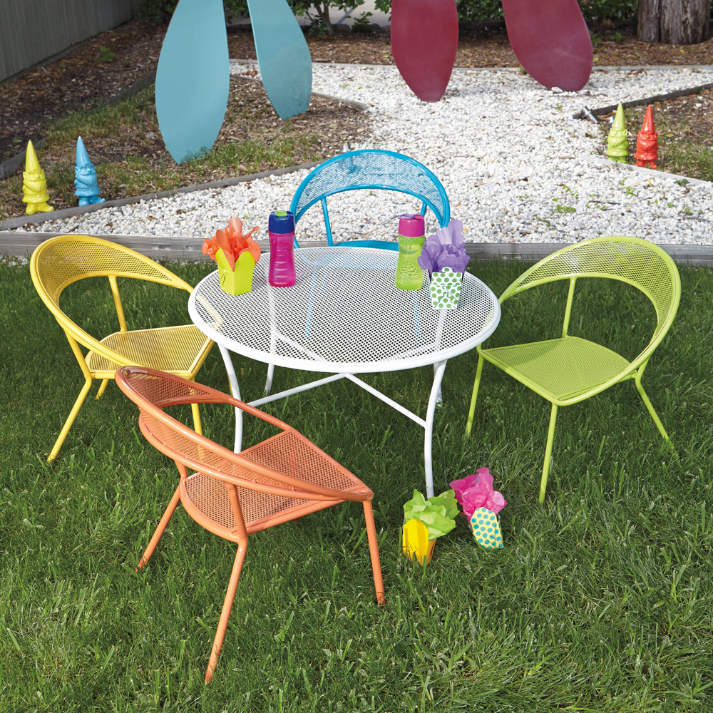 kids outdoor chair thomasville dining chairs discontinued woodard spright wrought iron patio furniture set with four round table and 9h0097