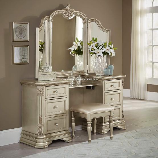 3 Pieces Antoinetta Vanity Set