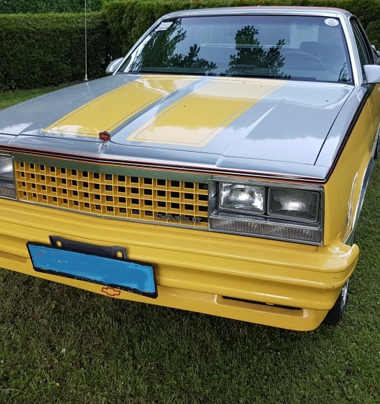 EL Camino Chevelle 5.0l Engine: 305cui / 5.0l V8 Bj 1987 61,900 miles Color yellow automatic transmission Selling price: 19,500 € Vehicle technically 1a Tires 245/35/20. Power 107KW (145PS) 3 seats, 2 doors Body in top condition Typed as a classic car, Powerful sound system with subwoofer and speaker system
