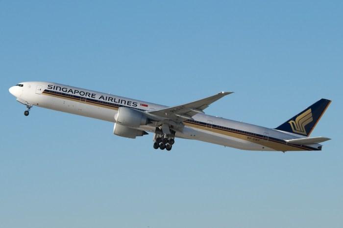 SQ 777-300ER 9V-SWF