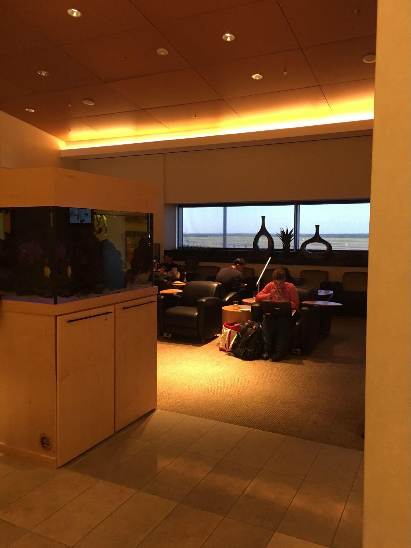 达拉斯机场(DFW) The Club 休息室体验