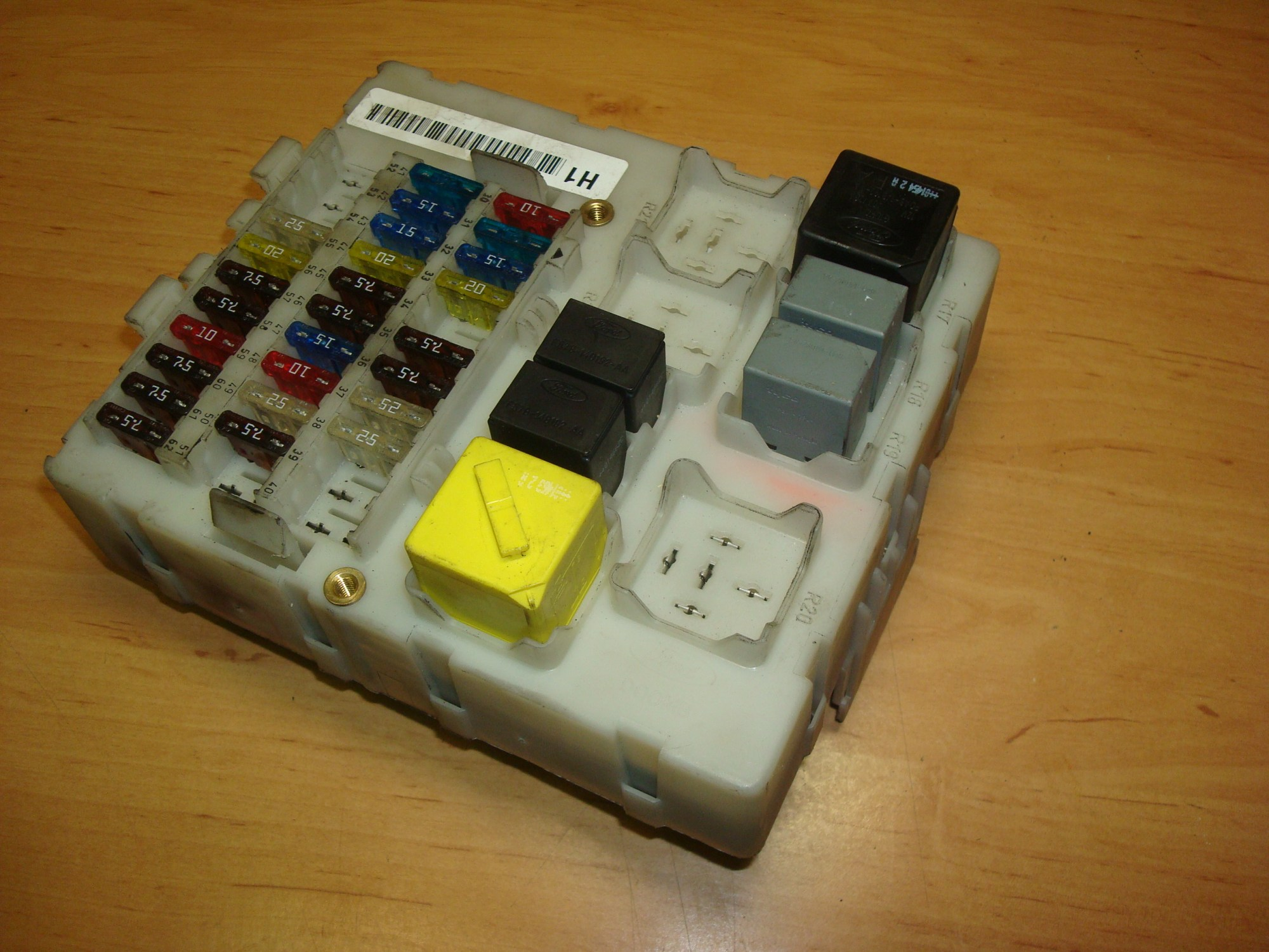 hight resolution of ford focus 1 8tdci 01 05 fuse box 518273206 article 518273206 2m5t14a073bc