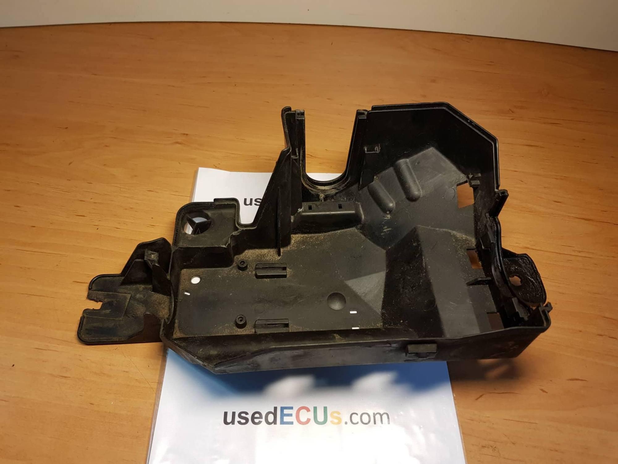 hight resolution of volvo xc70 v70 s60 s80 2000 07 fuse box ecu tray box article 9452547