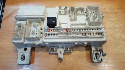 small resolution of volvo s40 v50 04 09 fusebox fuse box article 30728906 sae j945 03