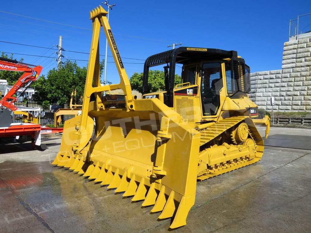 medium resolution of  2281r caterpillar d5n xl bulldozer with stick rake full