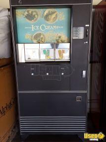 Rowe 487 Ice Cream Frozen Vending Machine In