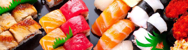 Which is the traditional way of eating sushi?