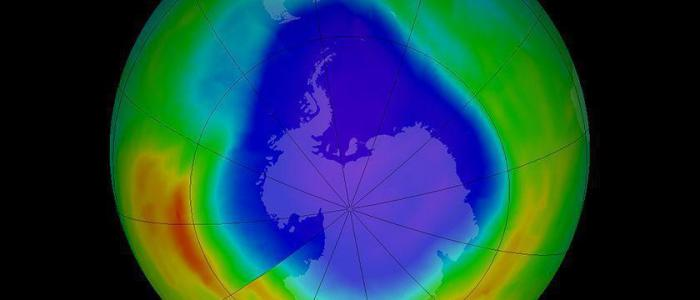 When is it estimated for the ozone layer to fully recover?
