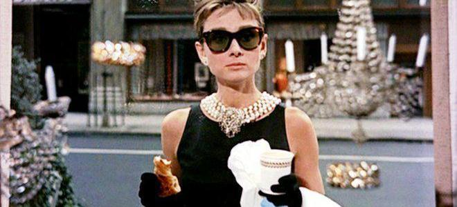 "10 interesting facts about the movie ""Breakfast at Tiffany's""! (List)"