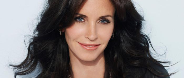 48 fun facts about Courteney Cox! (List)