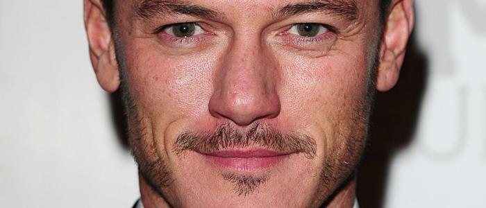 Luke Evans: 38 fun facts about the actor! (List)