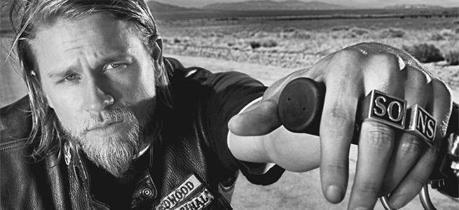 Charlie Hunnam Trivia: 34 fun facts about the actor!