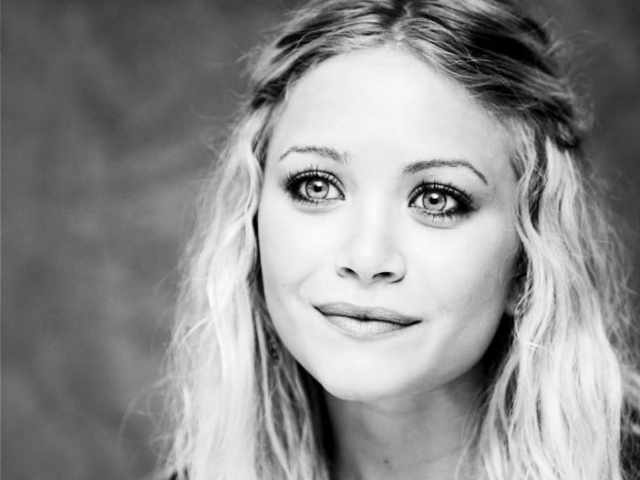 Mary Kate Olsen Trivia 48 Fun Facts About The Fashion Designer Useless Daily Facts Trivia News Oddities Jokes And More