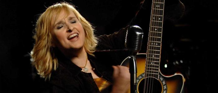 Melissa Etheridge Trivia: 30 interesting facts about the singer!