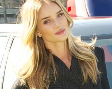 Rosie Huntington-Whiteley Trivia: 12 interesting facts about the model!