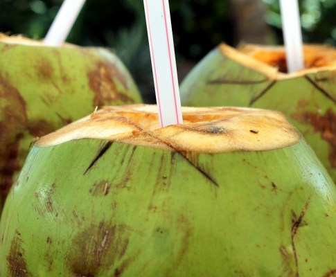 15 Amazing Health Benefits of Coconut Water That You Don't Believe