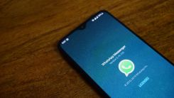 How to enable dark theme on WhatsApp for Android