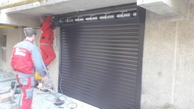 Usa de garaj de tip rulou gri