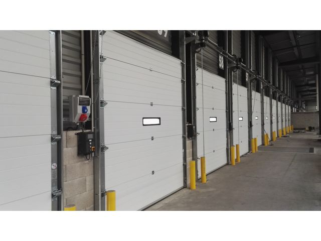 Porte Sectionnelle Industrielle SAFIR Isotec Contact