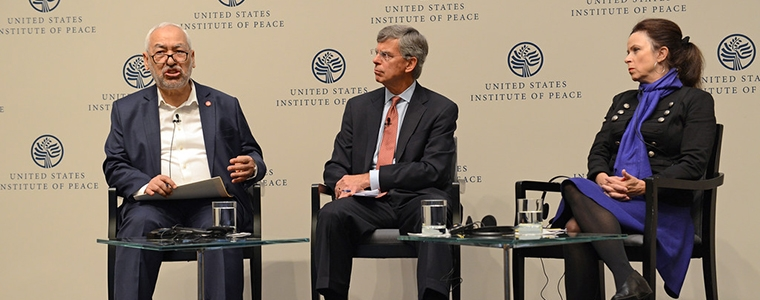 Dari kiri; Sheikh Rachid Ghannouchi, Amb. William B. Taylor dan Robin Wright