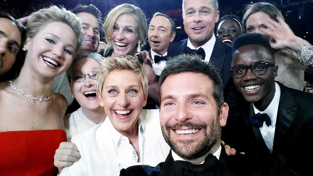 1424213786_ellen-degeneres-selfie-zoom-4d2ca77f-1e0b-4935-bc90-c99b6be3c299