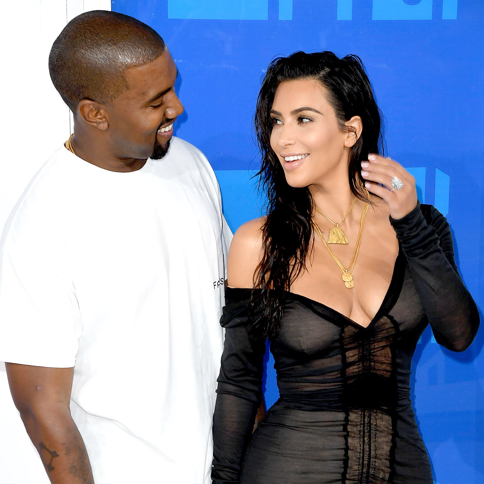 Kanye-West-Kim-Kardashian-birthday-celebrate