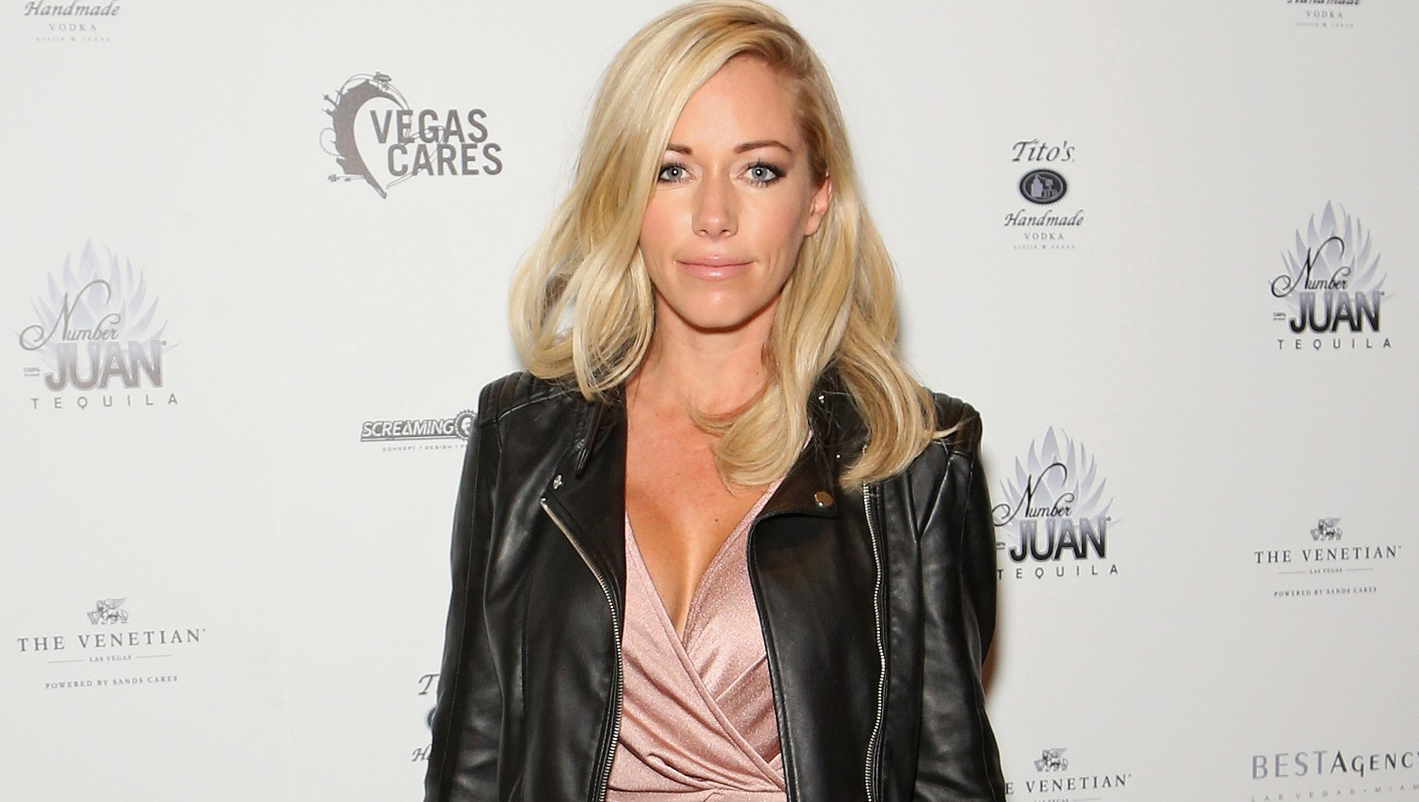 Kendra Wilkinson, Hospital, Sick