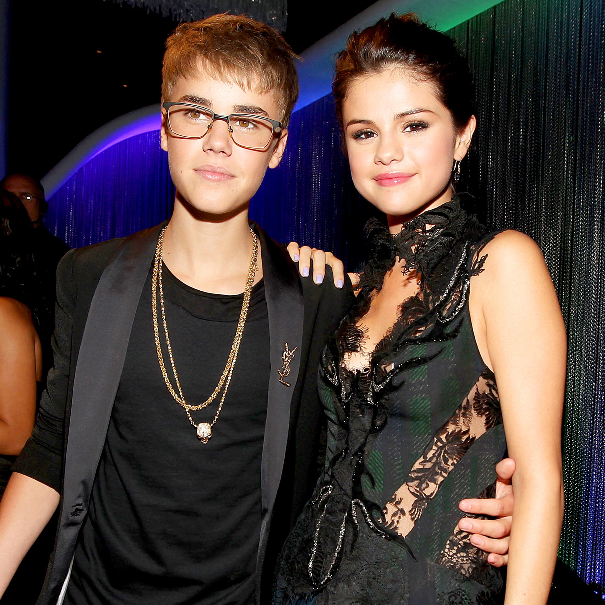 Selena Gomez's mum 'not happy' she's back with Justin