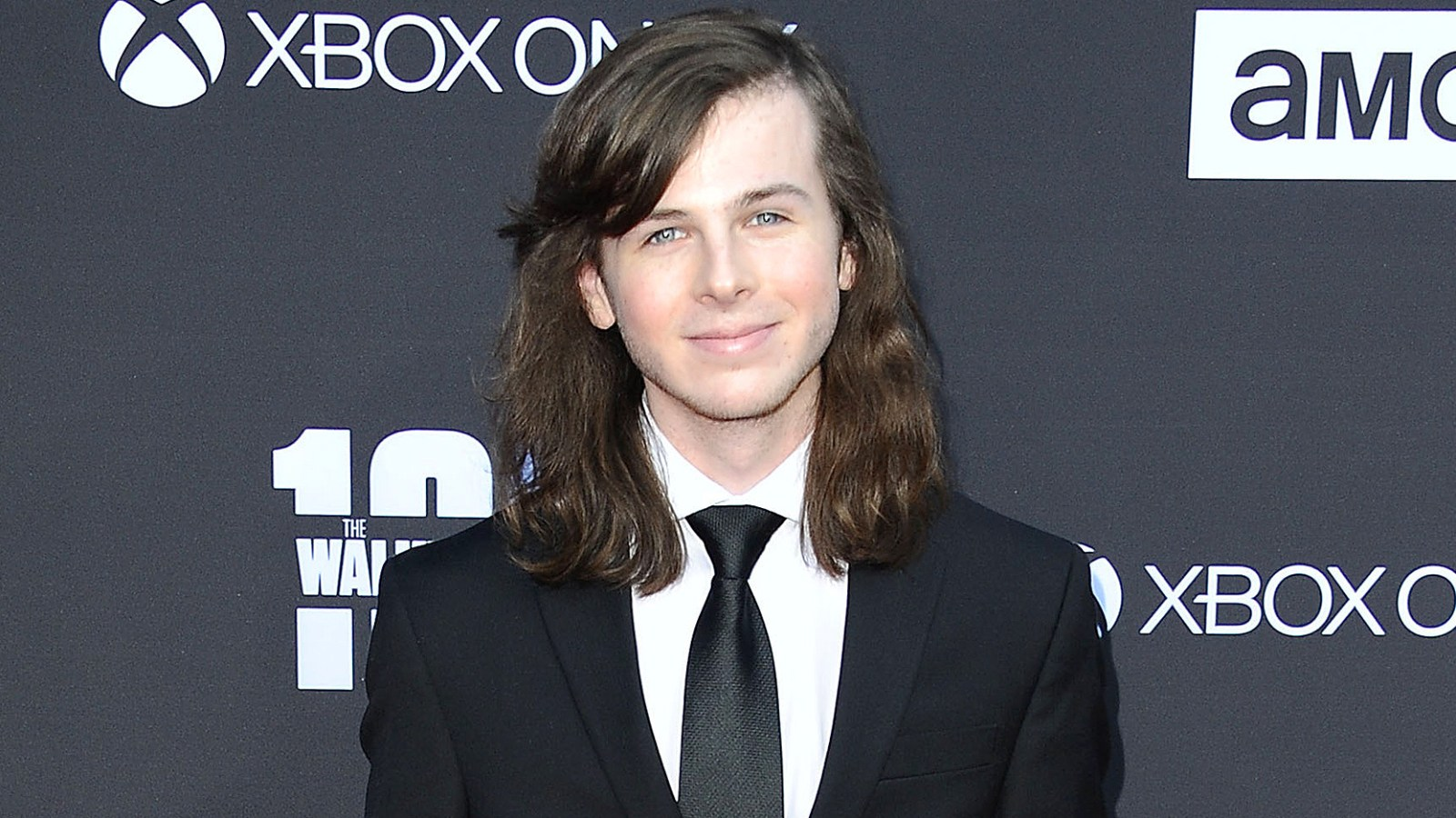 Twds Chandler Riggs Cuts Off Mullet As Character Faces Gruesome Fate