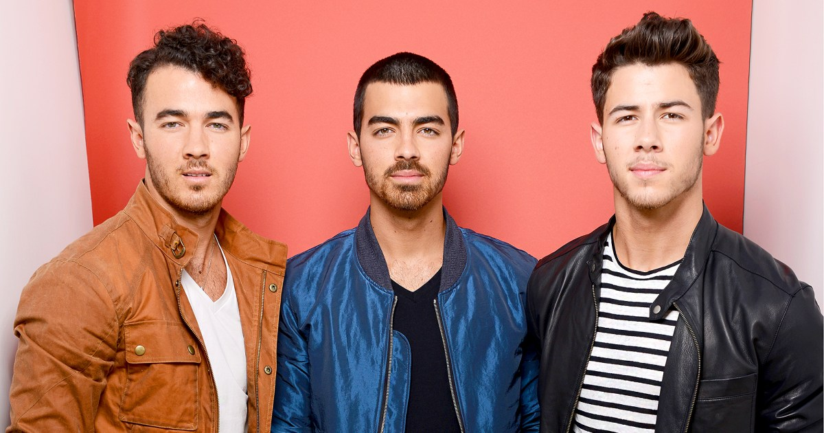 Fans Think The Jonas Brothers Are Reuniting Find Out Why-4548