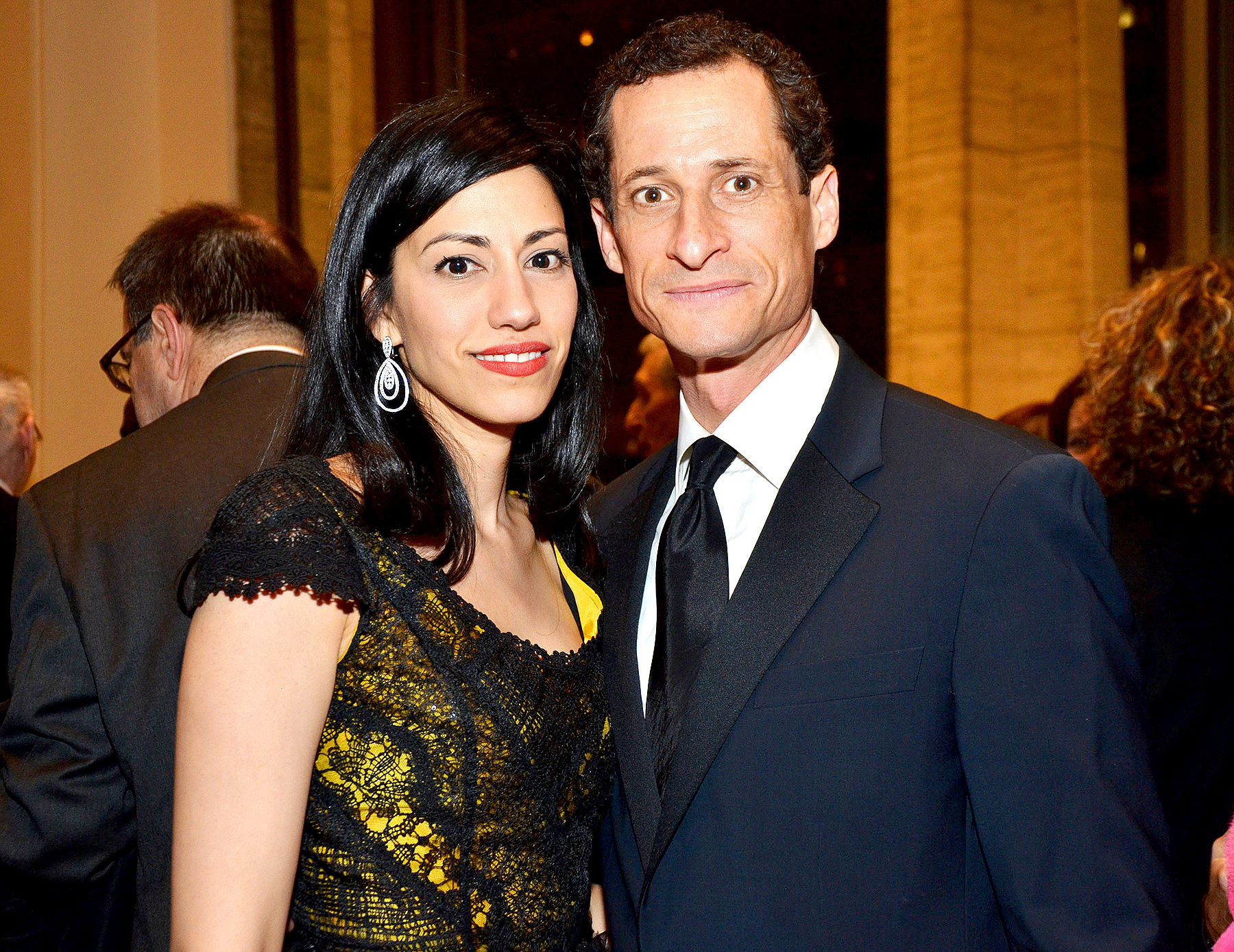 Huma Abedin and Anthony Weiner to settle divorce out of court