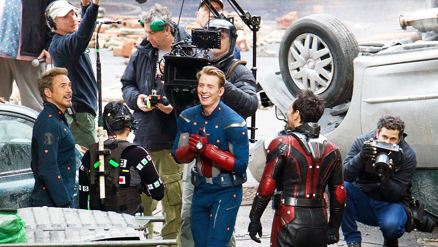 Robert Downey Jr Mark Ruffalo Chris Evans Paul Rudd filming Avengers 4