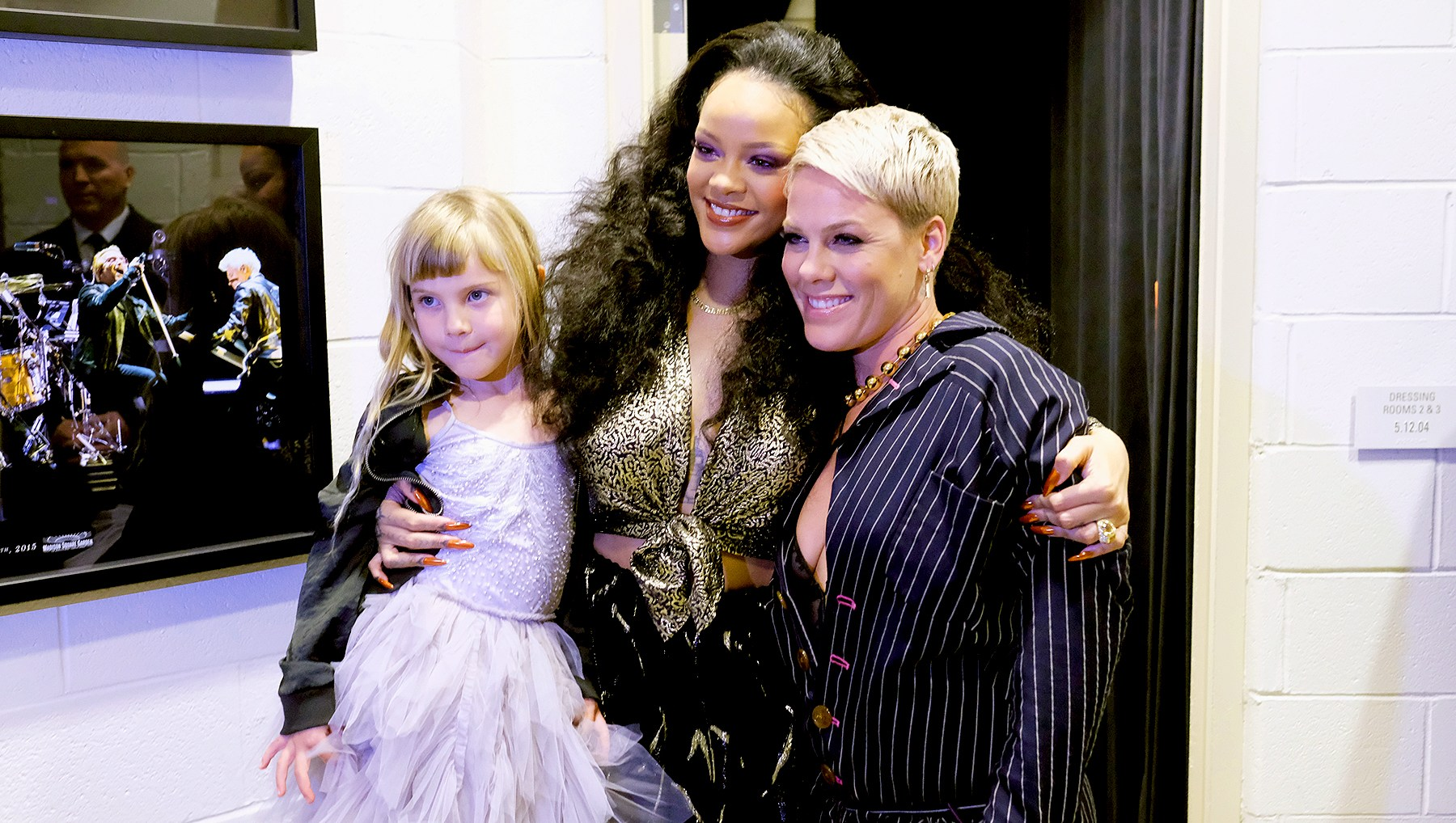 rihanna-pink-willow