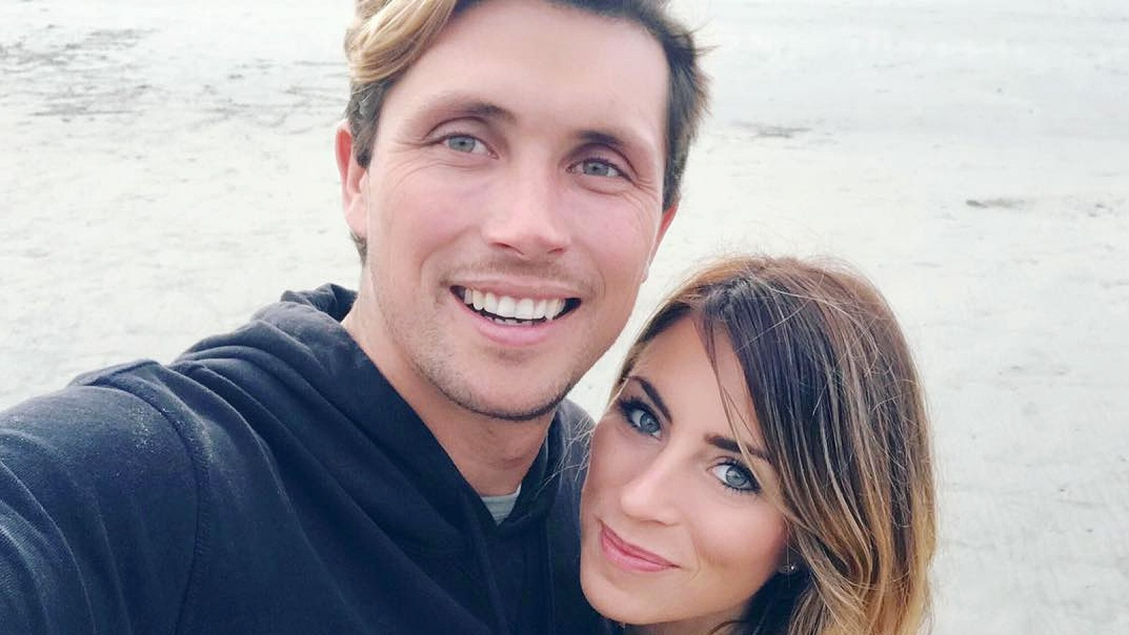 Bachelor\' Alum Tenley Molzahn Is Engaged to Taylor Leopold