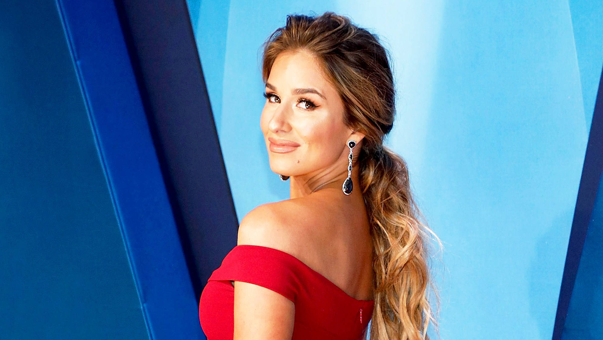 Jessie James Decker attends the 51st annual CMA Awards at the Bridgestone Arena on November 8, 2017 in Nashville, Tennessee.