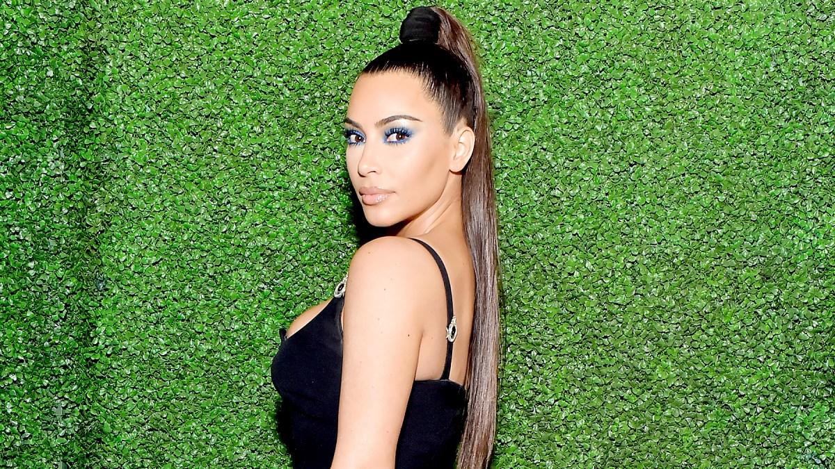 Kim Kardashian x Glam Masters Creme Color Eye Sticks: Details