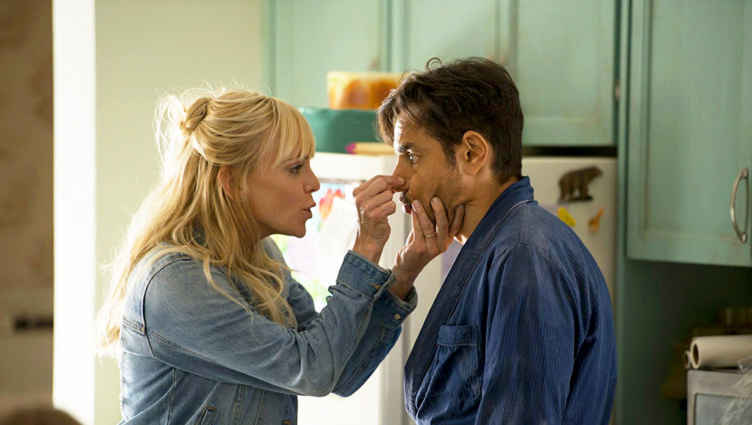 Anna Faris and Eugenio Derbez in 'Overboard'
