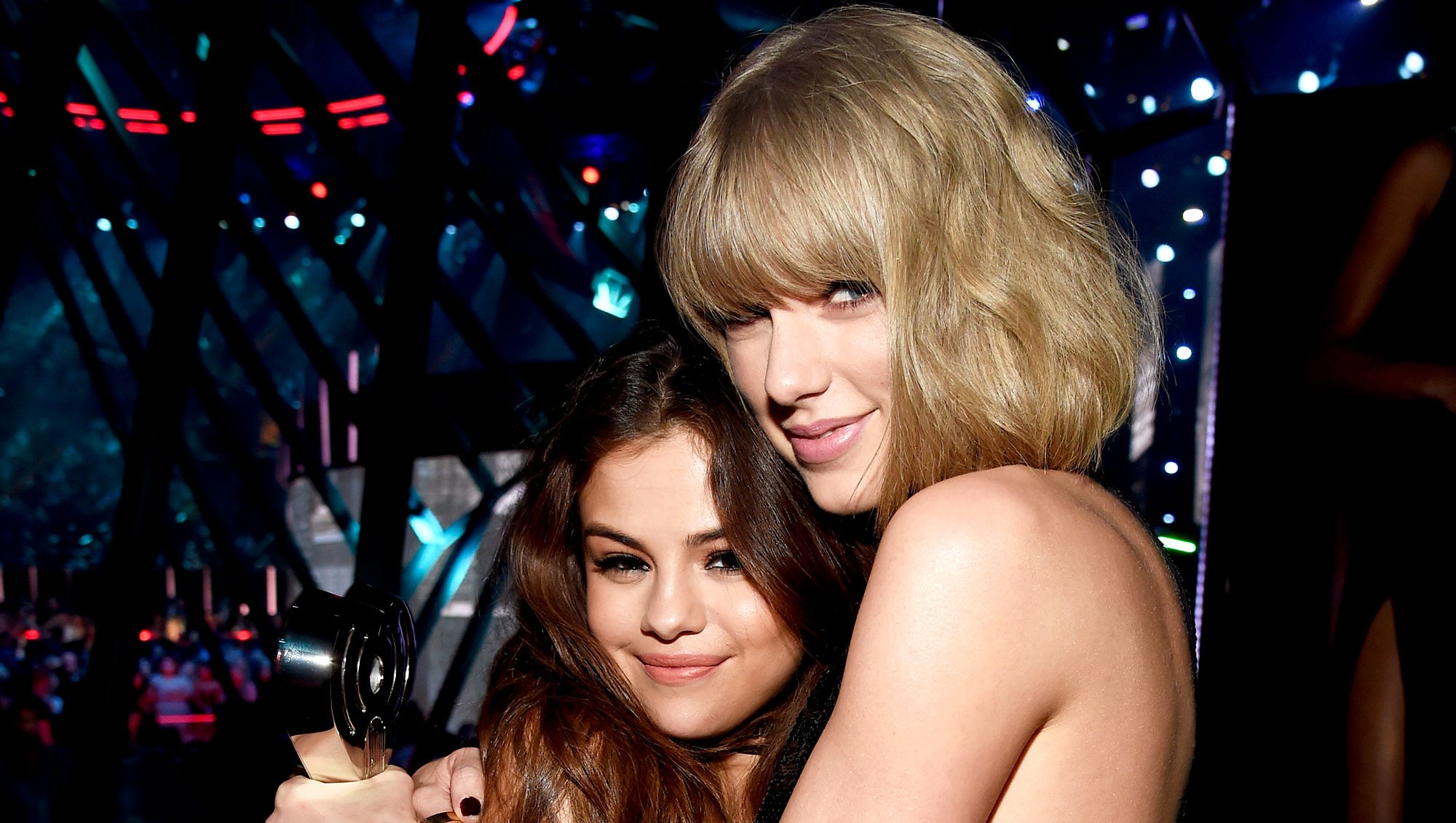Taylor Swift Selena Gomez birthday cake