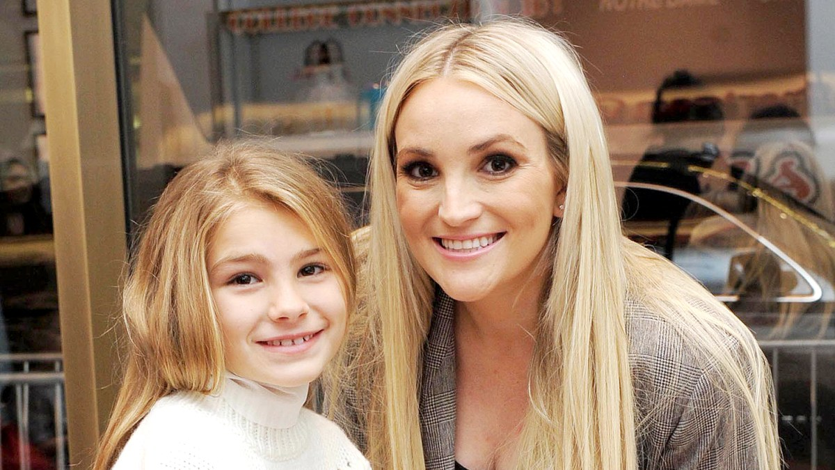 Jamie Lynn Spears Husband Criticized For Pic Of 10 Year Old Maddie