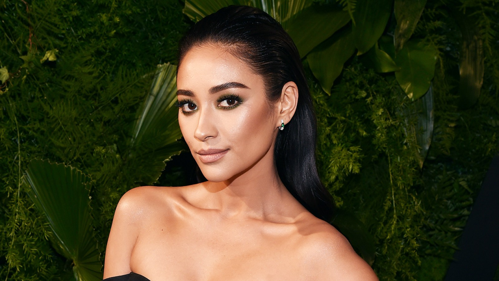 131328509d3 Shay Mitchell  25 Things You Don t Know About Me