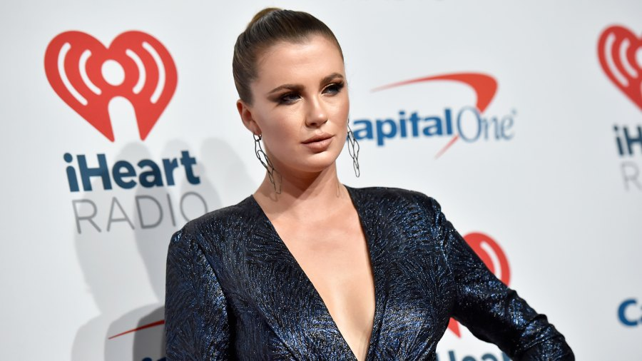 Ireland Baldwin Says She Has 'No Idea' What Is Going on With Justin Bieber and Hailey Baldwin: 'They're Just Kissing All Over the World'