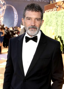 Antonio Banderas' Clapping Goes Viral at 2018 Emmys