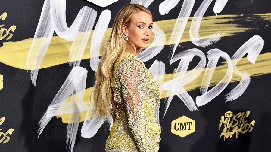 Carrie Underwood Waiting Pregnancy Announcement
